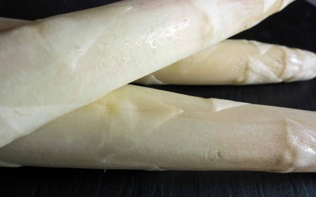 Gebratener Spargel mit Cashew