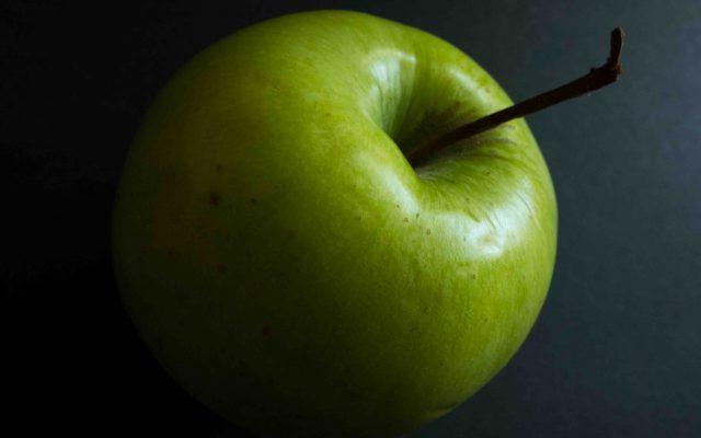 Lachsfilet mit Zucchini-Apfel-Sauce
