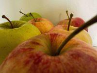 Walnuss-Rösti mit Apfel-Gemüse