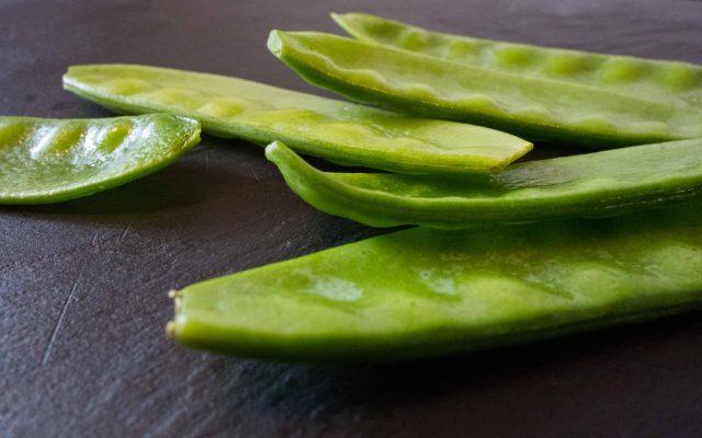 Maroni-Zuckerschoten-Gemüse mit Kürbisrösti