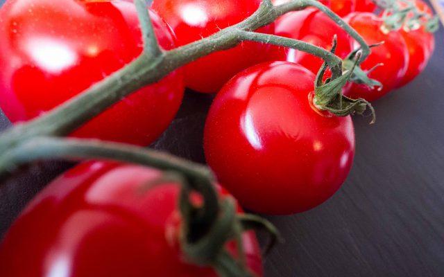 Tomaten-Granita mit Ziegenkäse